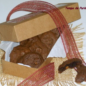 Cookies de chips de pasta de amendoim e chocolate