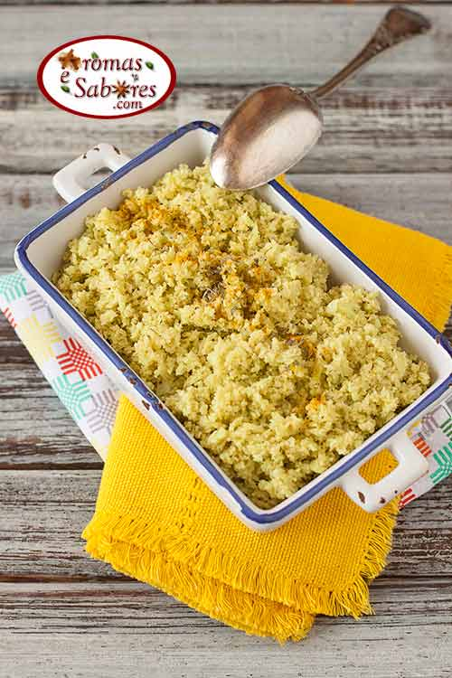 Arroz de couve-flor com curry