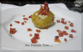 Mini Baked Potatoes Com Crisps de Bacon