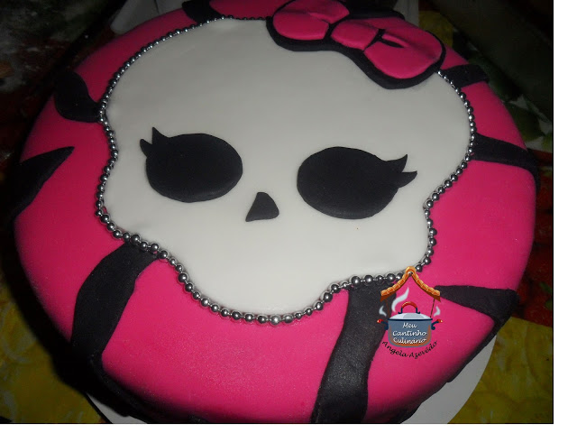 BOLO - TEMA MONSTER HIGH