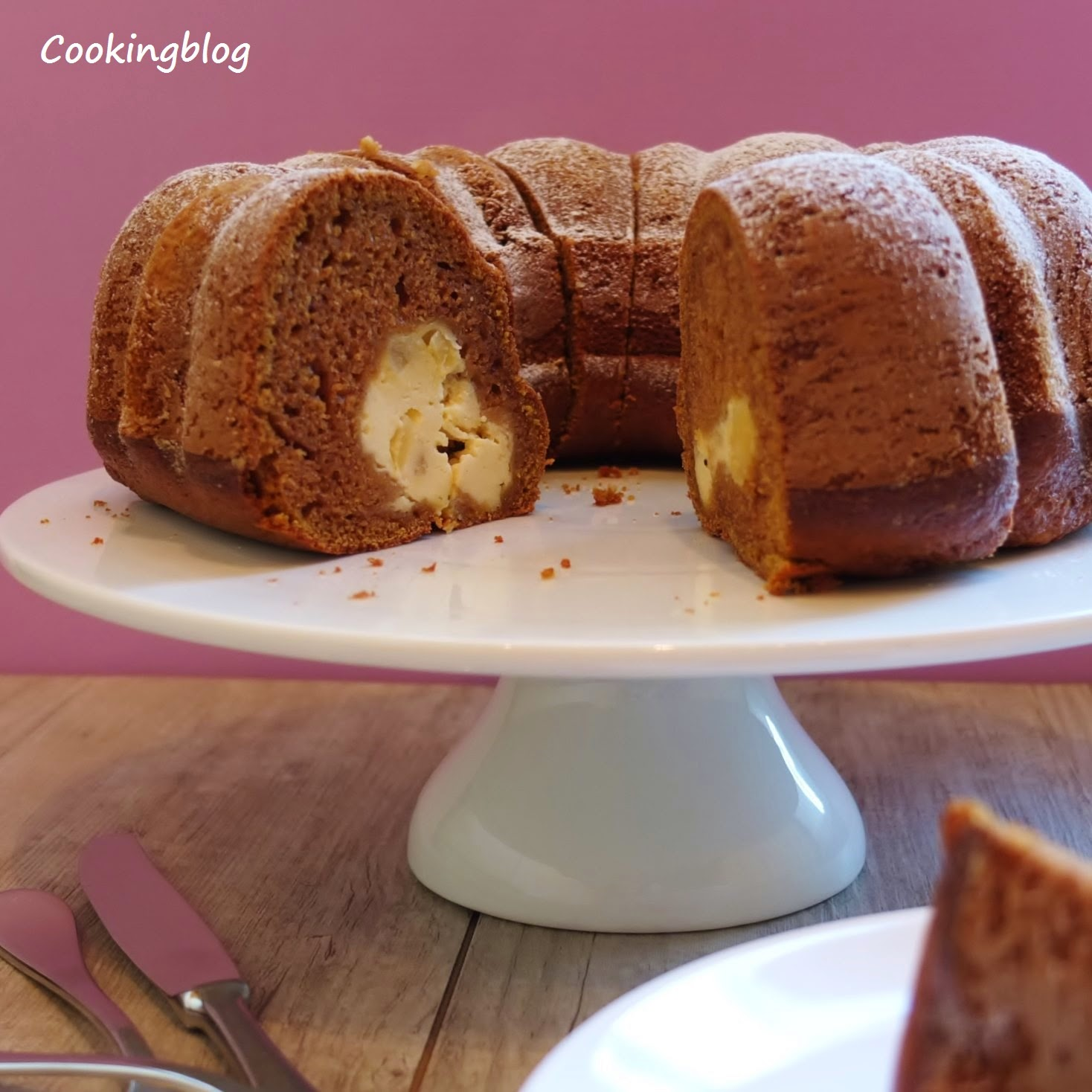 Bundt de abóbora e gengibre com recheio de queijo creme | Pumpkin-ginger Bundt cake with cream cheese filling
