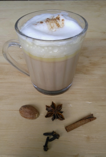 chai latte com chocolate branco