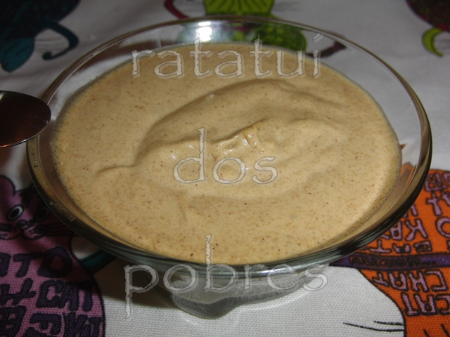 Mousse de Pêra-abacate spicy
