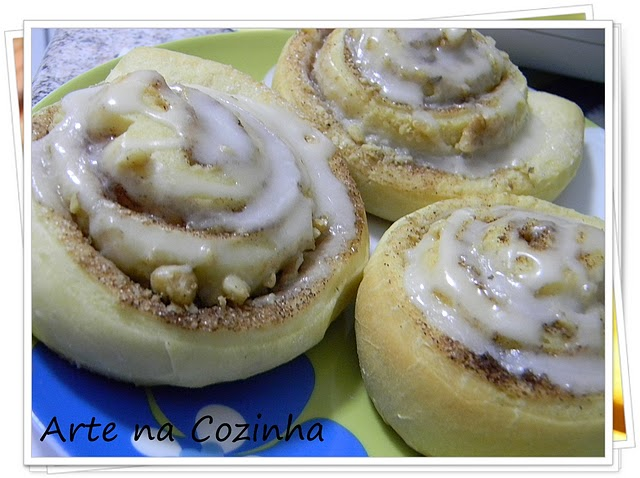 Cinnamon Roll's - Cinara's Place