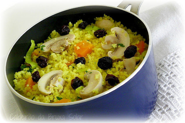Couscous ao curry com vegetais