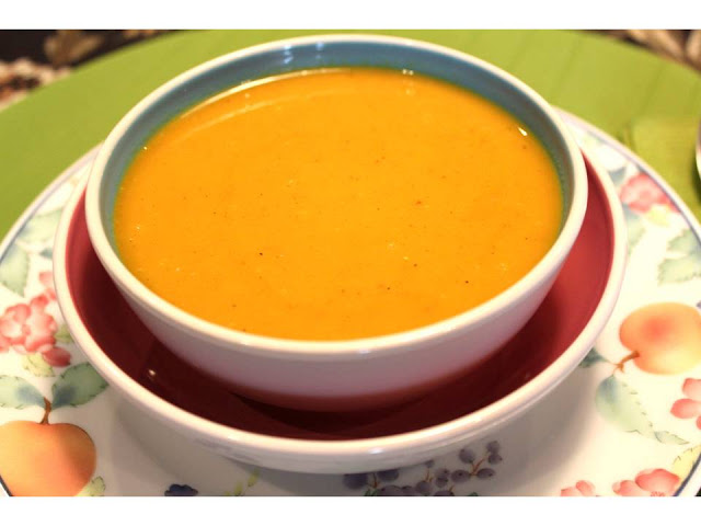 Sopa de cenoura com caril | Carrot and curry soup