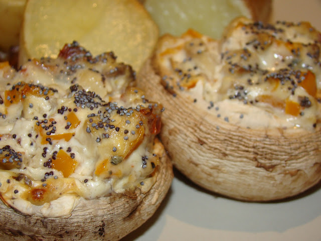 Cogumelos Frescos Recheados / Fresh Stuffed Mushrooms