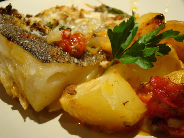 Bacalhau no Forno com Batatas ( Compal da Horta ) / CodFish in the Oven with Potatoes ( Compal da Horta )