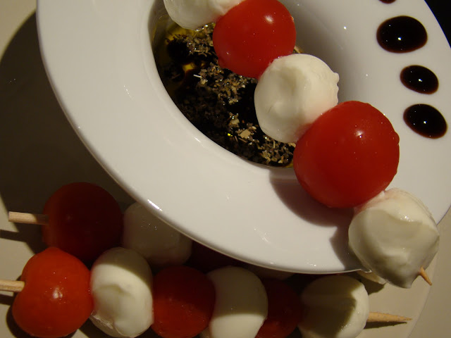 Espetadas de Mozzarella e Tomate Cereja / Skewers of Mozzarella and Cherry Tomatoes