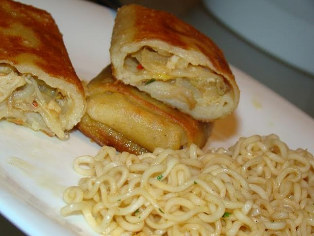 Noodles com Crepes Chineses