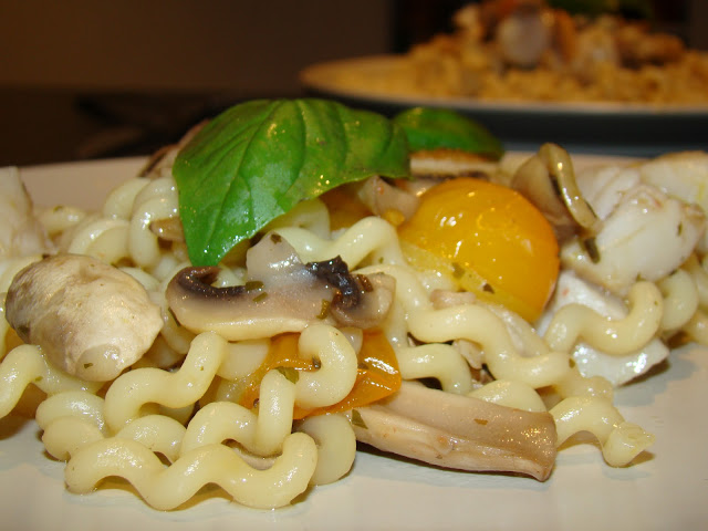 Massa com Vieiras, Cogumelos e Manjericão / Pasta with Scallops, Mushrooms and Basil