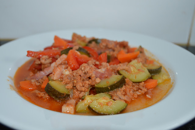 carne picada com bacon e courgete