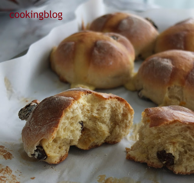 Hot Cross Buns de Chá Earl Grey e Tangerina  | Earl Grey Tea and Mandarin  Hot Cross Buns