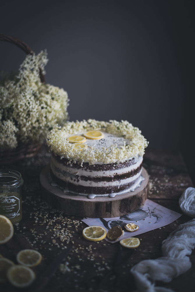 Bolo de sabugueiro e sementes de papoila com curd de limão e mascarpone // Elderflower & poppyseed cake with lemon curd and mascarpone