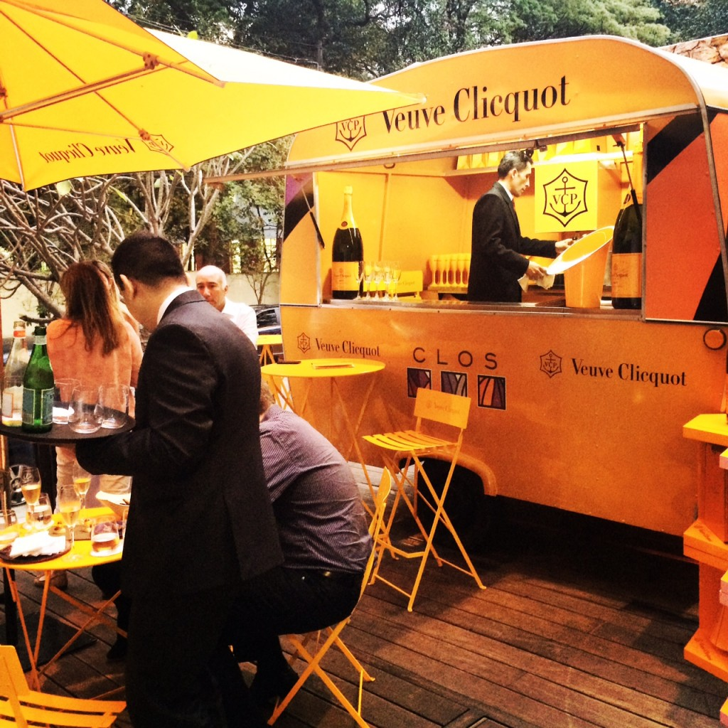 Clicquot Yellow Trailer aterrisou no Clos em Sampa