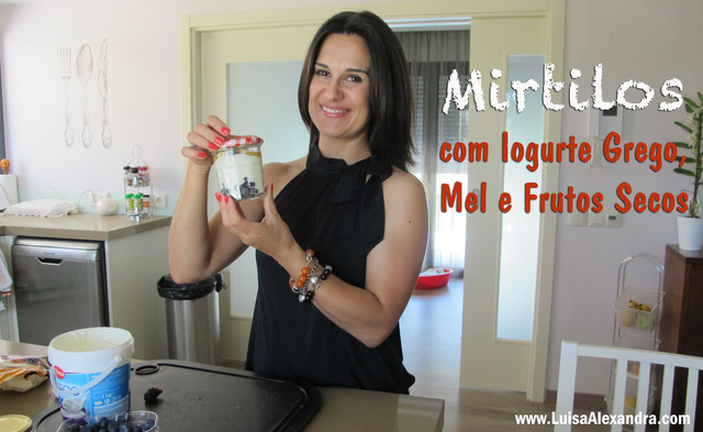 Mirtilos com Iogurte, Mel e Frutos Secos • VÍDEO