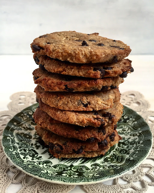 Bolachas de aveia banana e coco com pepitas de chocolate | Oat, banana and coconut cookies with chocolate chips