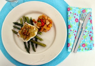 Skrei com crosta, espargos salteados e batada doce e nabo assados / Skrei with crumble, sautée asparagus and roasted sweet potato and turnip