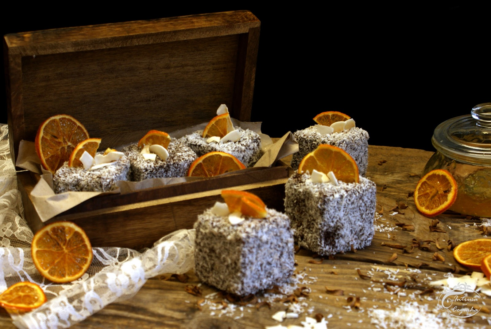 Lamingtons de Laranja {Orange Lamingtons}