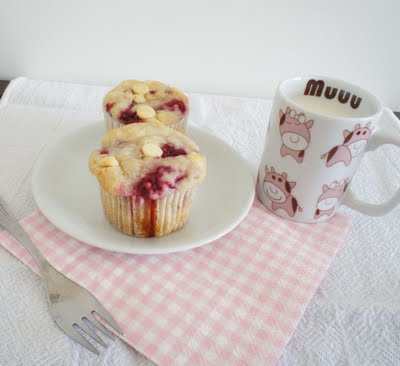 muffin de framboesa e chocolate branco