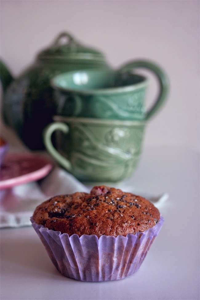Muffins de morango e chia/ Strawberry and chia muffins