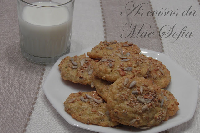 Bolachas de cevada, queijo e oregãos / Barley, cheese and oregano cookies