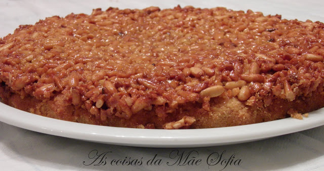 Tarte de pinhão e amêndoa / Pine nut and almond pie