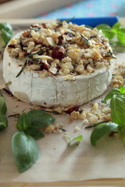 Camembert com frutos secos