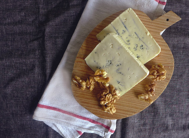 Creme de queijo azul com nozes/ Blue cheese and wallnuts