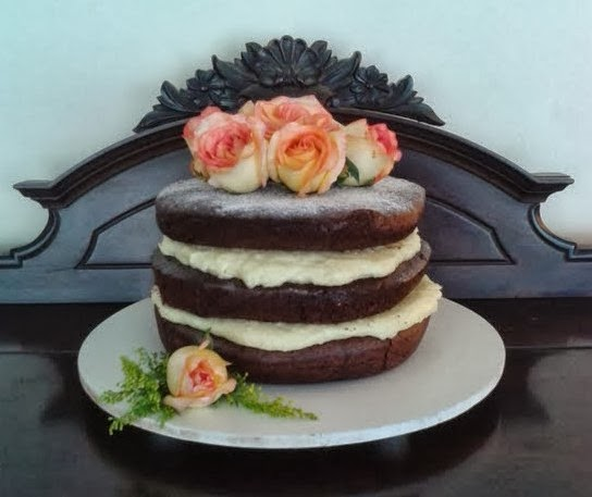 Naked Cake - Chocolate e Baunilha